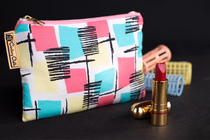1950s vintage style beauty makeup bag