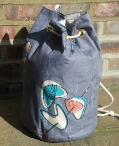Making a 1950s duffle and tote bag