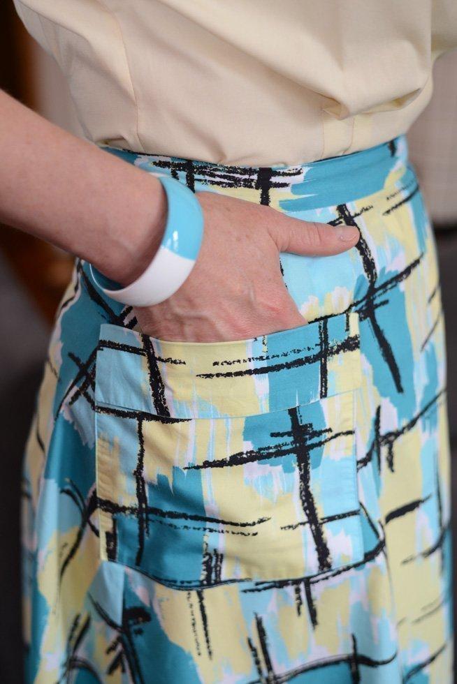 McCalls 1950 wraparound skirt