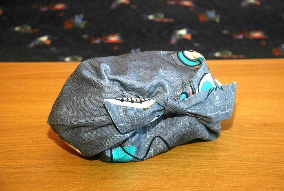 retro style tie bag
