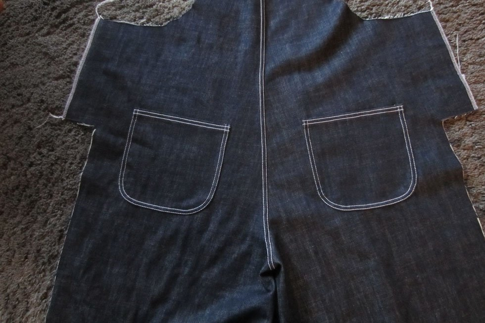 back jeans pockets