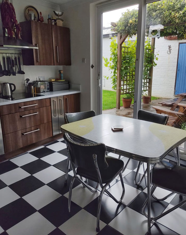 diner table and chairs